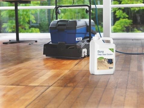 Mytí olejované podlahy